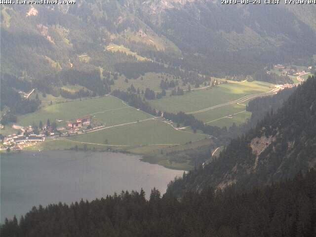 Vogelhornbahn Bergstation - Blick auf den Haldensee und Laterndl Hof Hotel